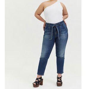 🆕 Torrid NWT Mid-Rise Straight Jean